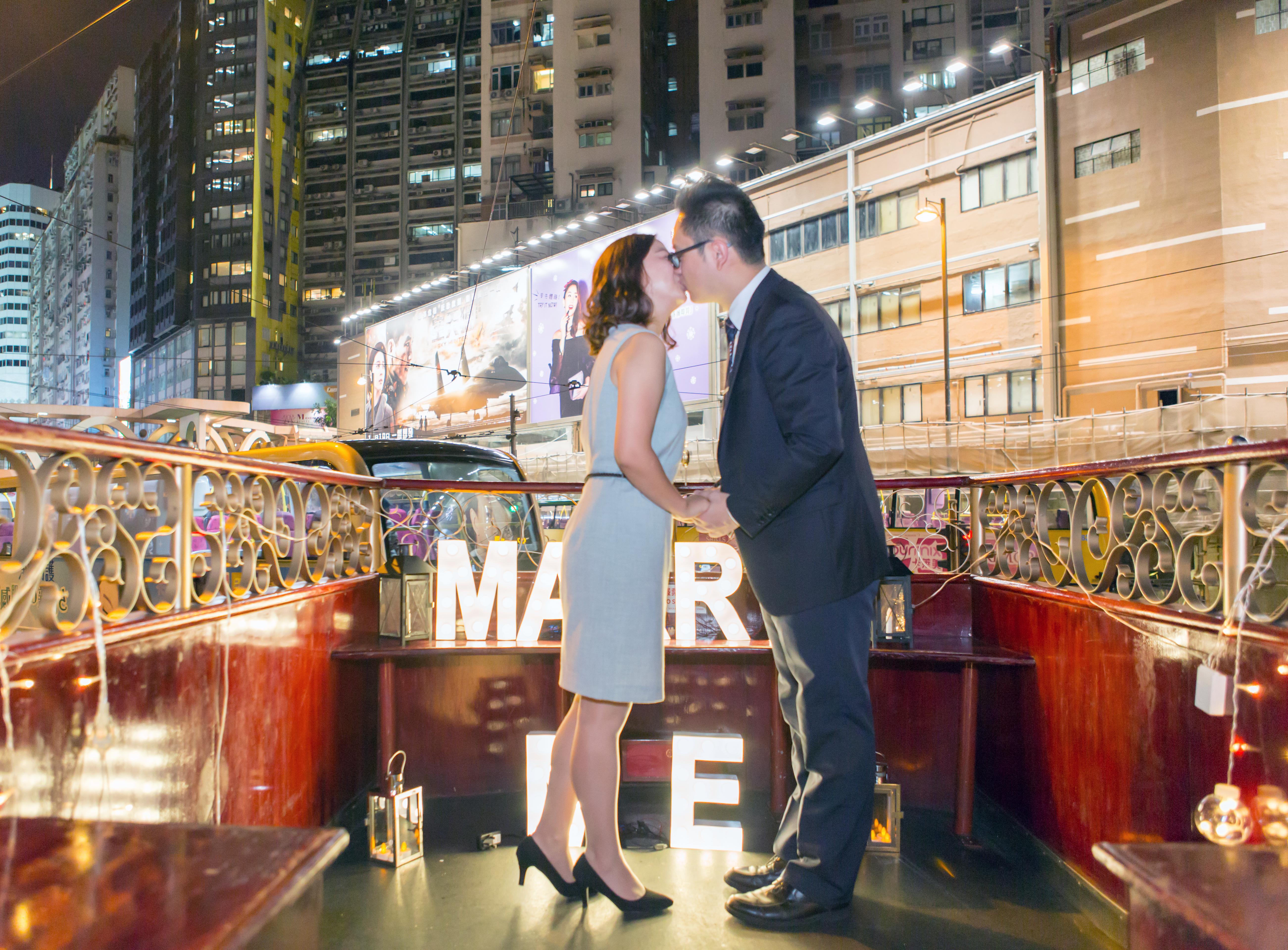 旅客到港求婚