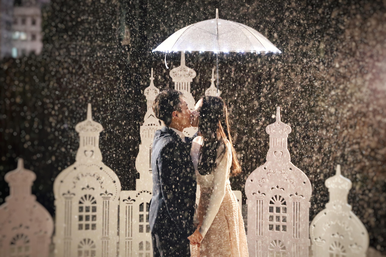 香港浪漫天台飄雪求婚
